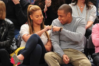NEW YORK, NY - FEBRUARY 20: Beyonce (L) and Jay-Z attend the New Jersey Nets vs New York Knicks game at Madison Square Garden on February 20, 2012 in New York City. (Photo by James Devaney/FilmMagic)